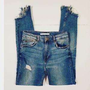 ZARA Trf Distressed Frayed Assymetrical Hem Jeans